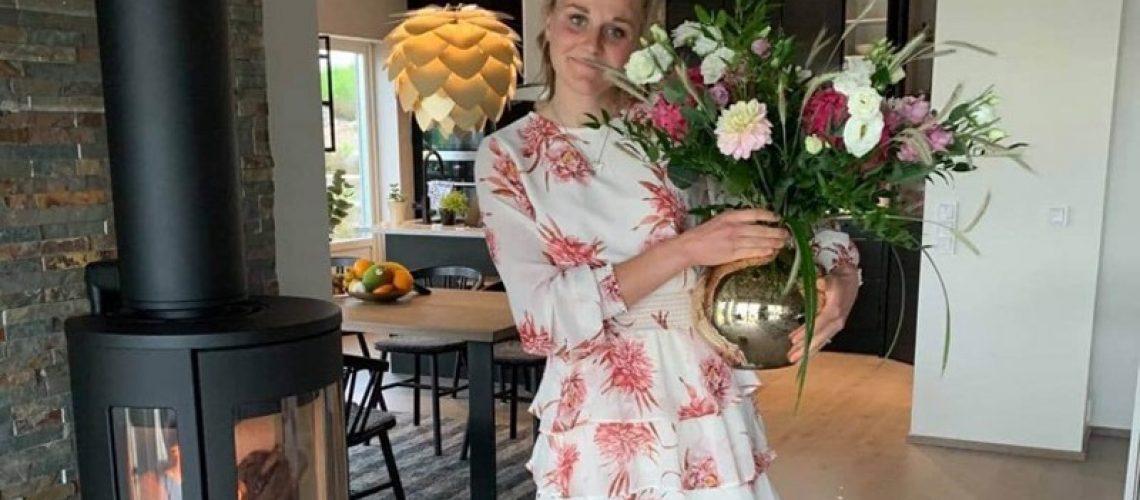Stina Nilsson i sitt nya hus